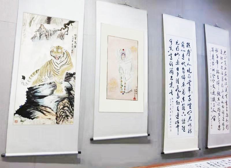 冯雪林等中国书画名家的作品参展