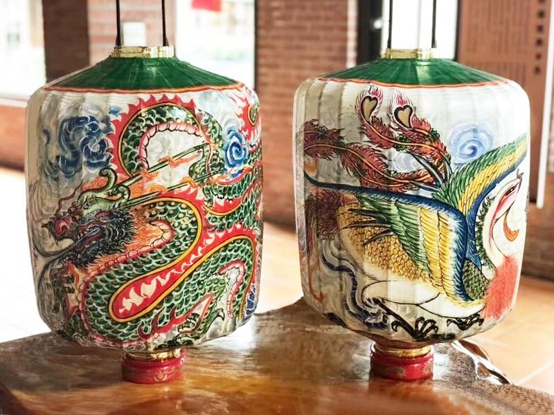 中国传统龙凤花灯