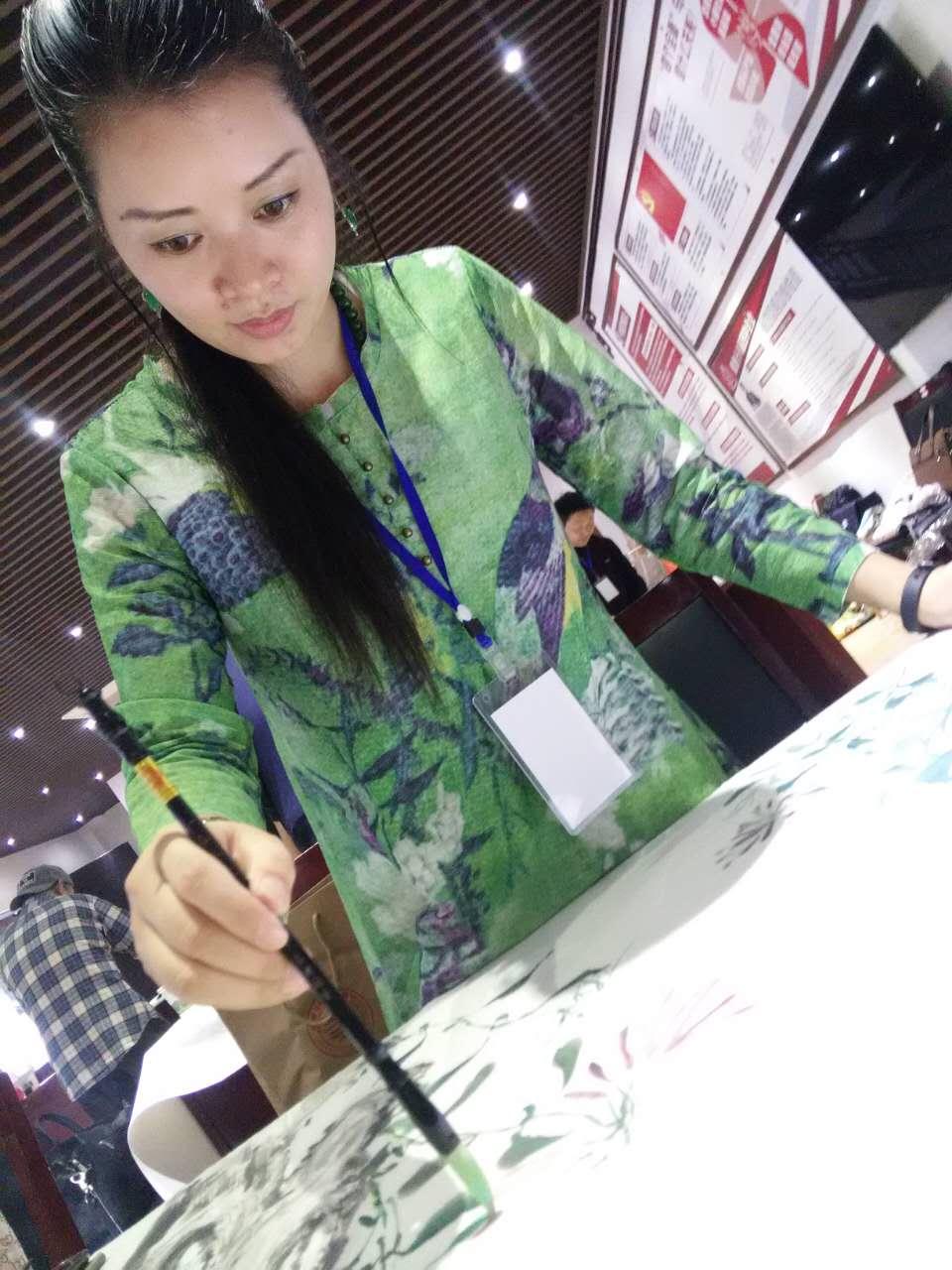 人民画院杭州分院会员、知名书画艺术家鮑贵芬创作